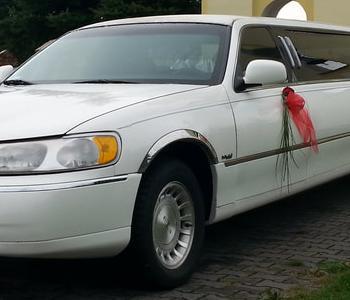 limuzyna-weselna-lincoln-kacprzak-limuzyna-lincoln-limuzyna-bia-a-bia-a-limuzyna-auta-do-lubu-luborig